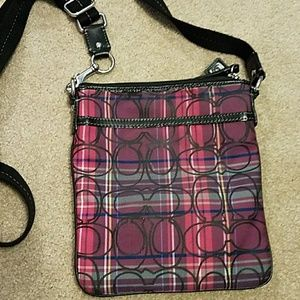 Mixed color of pink and purple crossbdy coach bag